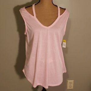 Pink Bobbie Brooks could shoulder tankal